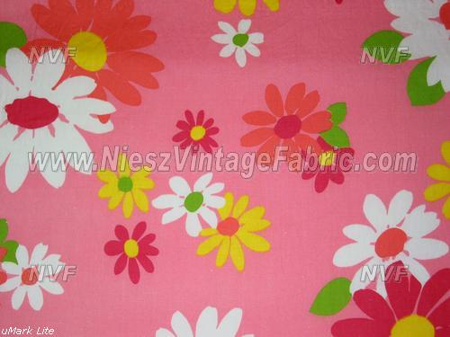 1960's Pink Flower Power Daisies