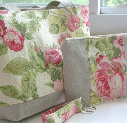 Pink Roses Tote and Wristlet set