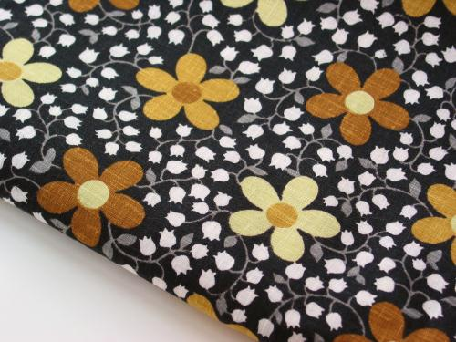 Vintage Kettle Cloth Lily of the Valley and Daisy