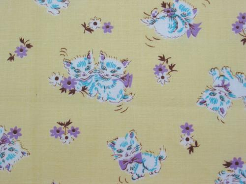 Vintage Kittens and Daisies on Yellow